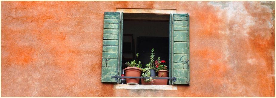 window-2571837-cr-ir